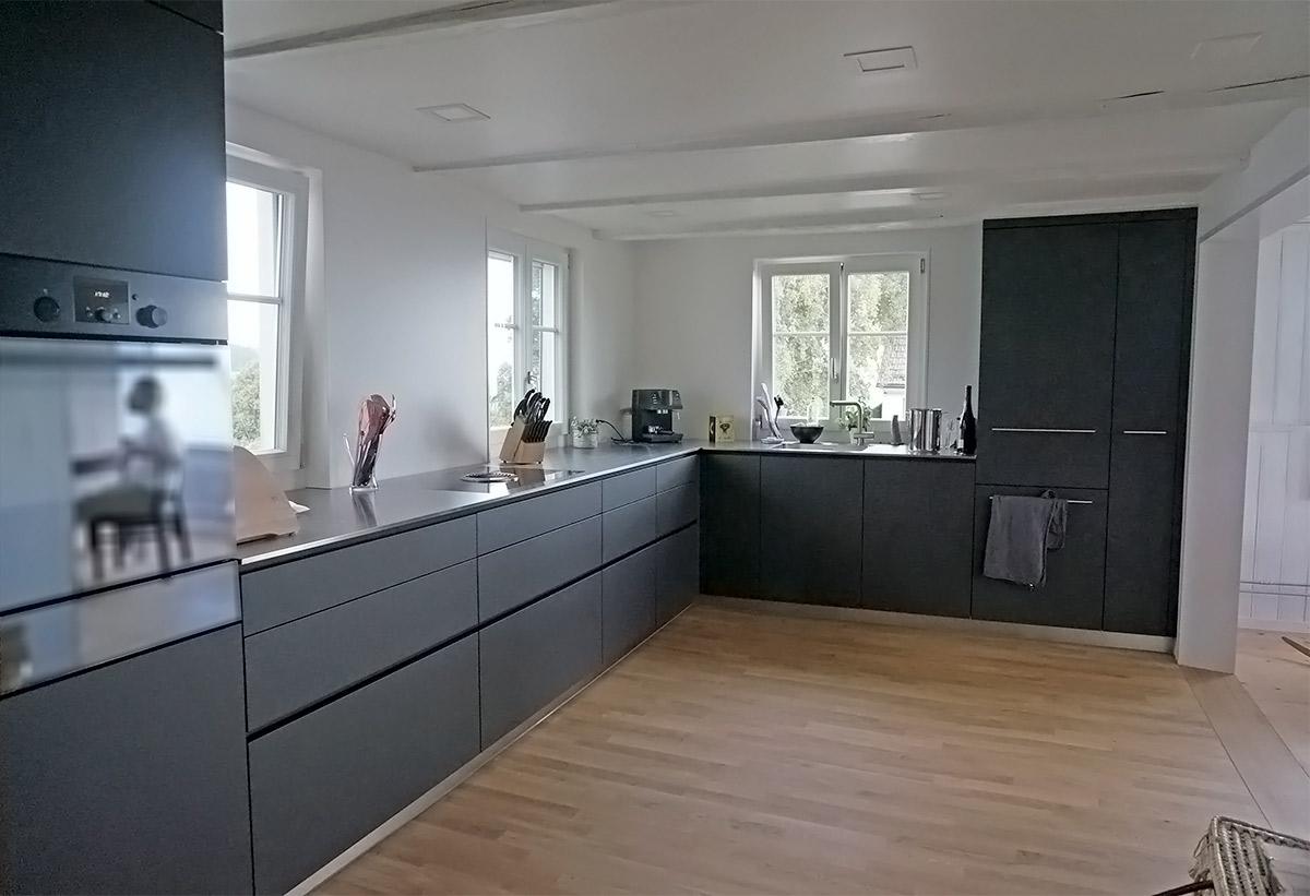 k chenumbau in appenzeller haus symbiose aus moderner. Black Bedroom Furniture Sets. Home Design Ideas